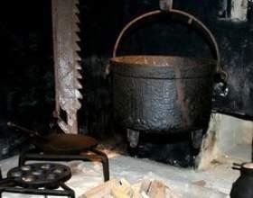 Puis-je utiliser un pot de fonte dans le four? фото