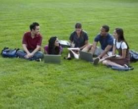 Les bourses complètes des collèges pour les étudiants minoritaires фото