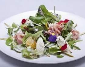 Les bons assaisonnements à mettre sur une salade фото
