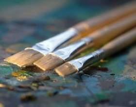Comment puis-je faire un travail soigné de la peinture où un plafond blanc rencontre un mur de couleur? фото