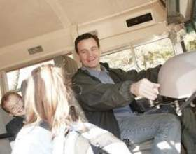 Combien les chauffeurs d`autobus nolisés font? фото