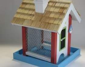 Comment construire un toit de nichoir avec des pièces qui se chevauchent фото