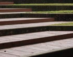Comment construire des marches pour les escaliers en bois en plein air фото