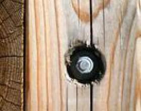 Comment couvrir les trous de vis sur le bois фото