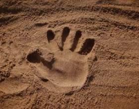 Comment faire handprints en plâtre de paris фото