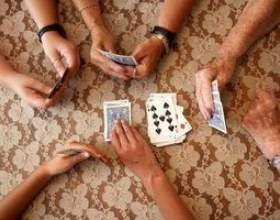 Comment jouer à des jeux de cartes de nickel фото