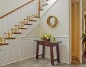 Comment mettre la bande de roulement en bois sur les escaliers фото