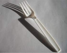 Comment recycler des fourchettes en plastique фото