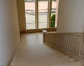 Comment enlever la moquette des escaliers et ajouter des étapes de chêne фото