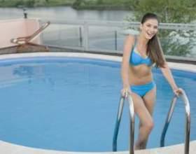 Comment peser une échelle de la piscine фото