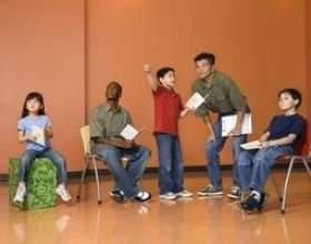 Jeux de improv pour une classe d`art dramatique de l`école secondaire фото