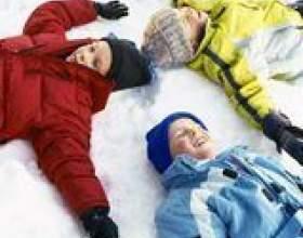 Les activités scolaires pour une partie maternelle d`hiver фото