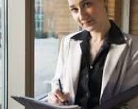 Les salaires de départ associés à un cabinet d`avocats фото