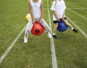 Idées de jeu pour adolescents journée sur le terrain фото