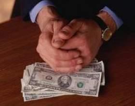 Les salaires moyens des médecins et des avocats фото