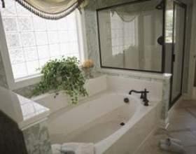 Les meilleurs revêtements de fenêtre pour une salle de bains фото