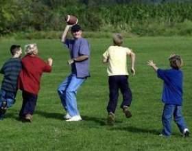 Lancer et attraper des jeux pour les enfants фото
