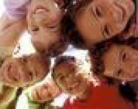 Les jeux traditionnels des enfants allemands jouent фото
