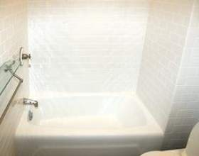 Mur et plancher idées pour une petite salle de bains фото