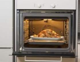 Quelles sont les différences entre les cuire, rôtir et griller? фото