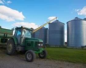 Quelles sont les pièces les plus importantes de matériel agricole? фото