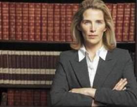 Quel est le salaire moyen d`un avocat défenseur des enfants? фото