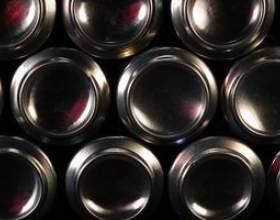 Quels matériaux sont utilisés pour fabriquer des canettes d`aluminium? фото